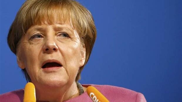 Merkel: Göçmen yasası sertleşebilir