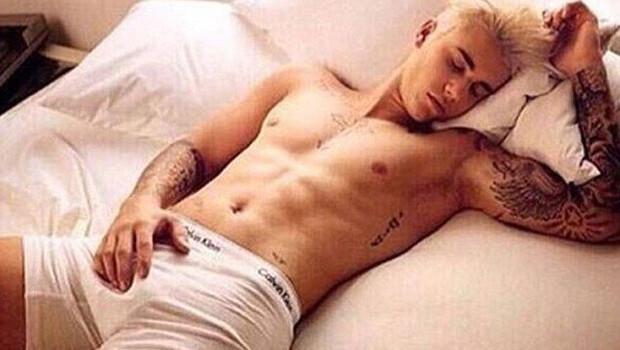 Justin Bieberın sosyal medyayı sallayan üstsüz fotoğrafları