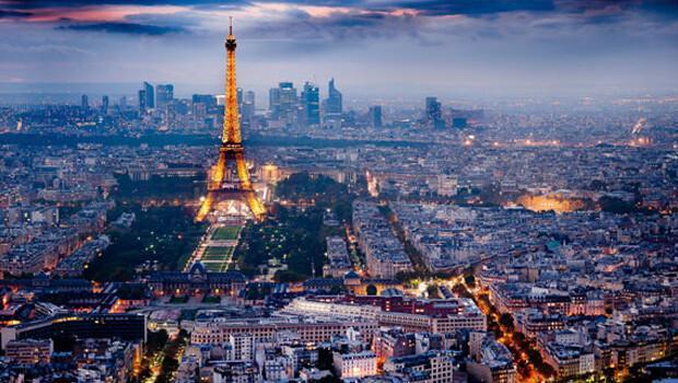 Fransa sıkı yönetimi 3 ay daha uzattı