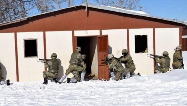 Asker ve polis ortaklaşa Meskun Mahallerde Teröristle Mücadele Eğitimi faaliyeti gerçekleştirdi