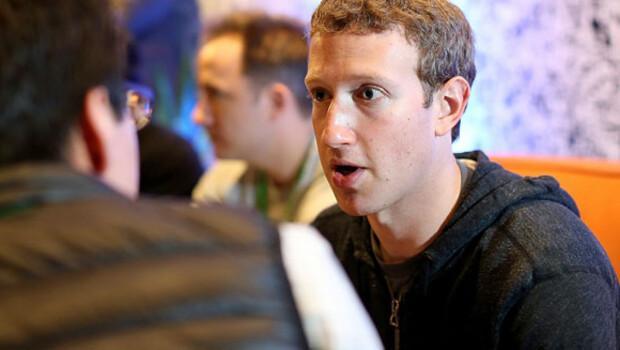 Zuckerberg'e Hindistan'da internet.org darbesi