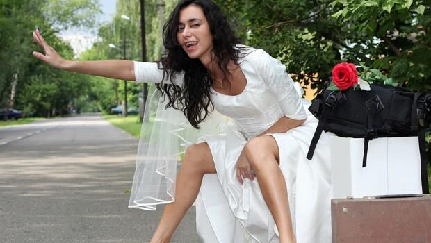 Modern zamanın mahalle baskısı: İş güç tamam da, ne zaman evleneceğiz?