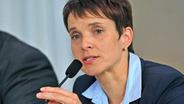 Alman siyasetçiden parti liderine: O kadınla evli olsam kendimi öldürürdüm