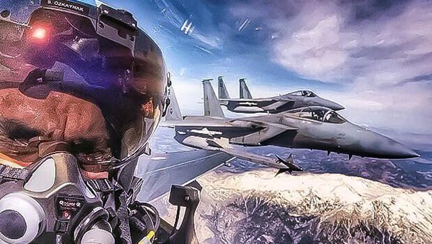 Sosyal medya konuşuyor: 'Türk pilotun Suudi pilotlarla selfie'si'