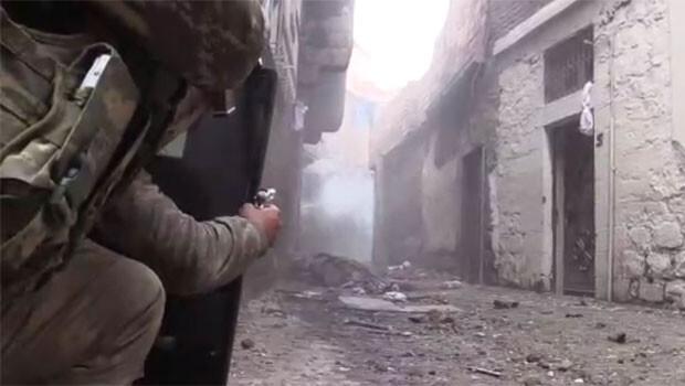 Sur'da çatışma anı askerin kamerasında