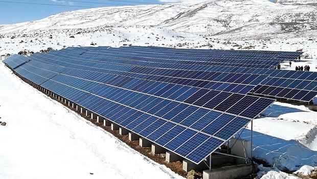 Erzurum'a güneş tarlası