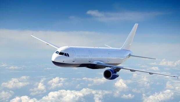 Uçaklara kendi kendini temizleyen tuvalet geliyor