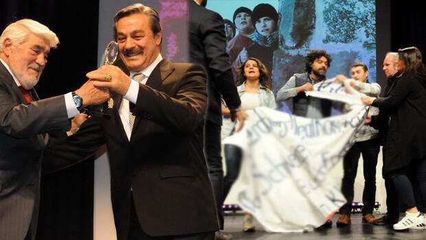 Kadir İnanır'ın katıldığı Türk - Alman Festivali'nde olay