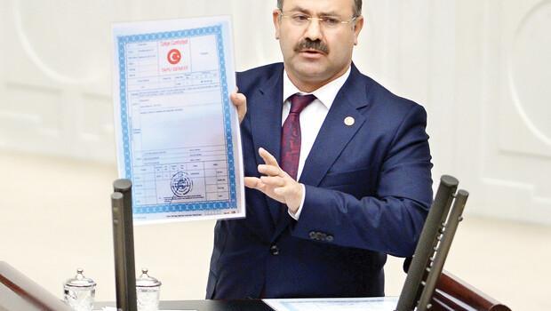 AK Partili Deligöz gösterdi: Saray'ın tapusu