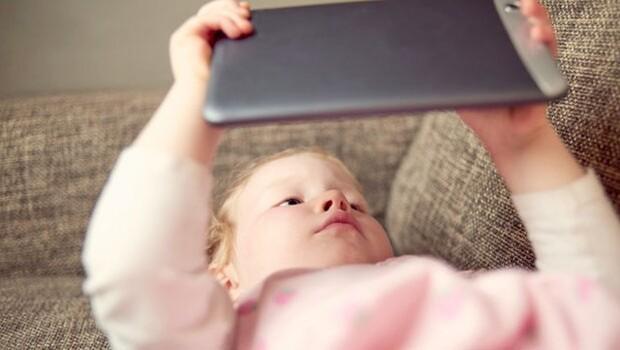 'Yoğun tablet bilgisayar ve akıllı telefon kullanımı çocuklar için zararlı'