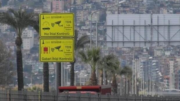İzmir'de Hız Koridoruna Giren Yandı