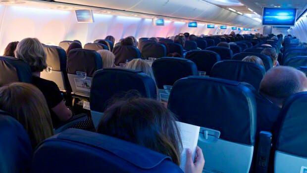 Uçakta bomba araması yapıldı ihbar asılsız çıktı