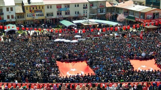 Şehit Komiser Yardımcısı Tamer Aktaş'ı,15 bin kişi uğurladı