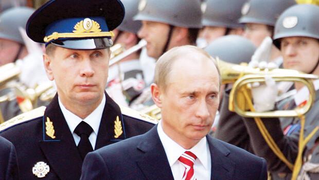 Rusya Devlet Başkanı ordu kuruyor