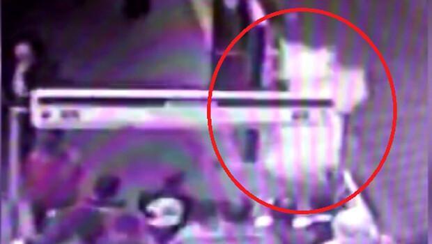 Avcılar metrobüs durağındaki patlama anı kamerada