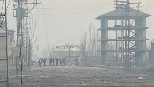 Yüksekova'da operasyon bitti, bu fotoğraf sosyal medyada yayıldı