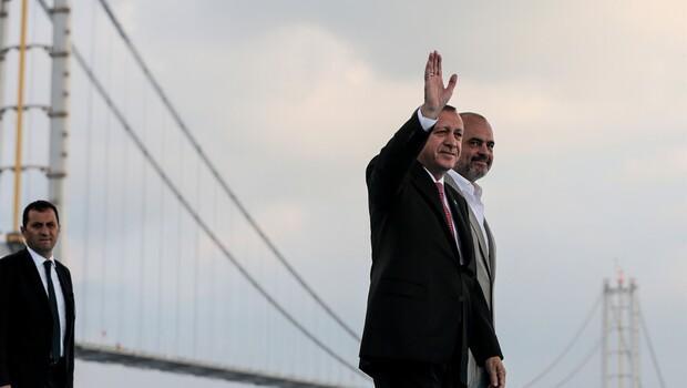 Osmangazi Köprüsü açıldı, bayram tatilinin sonuna kadar ücretsiz