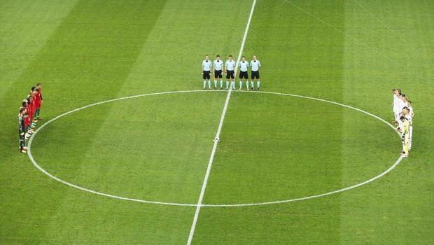 EURO 2016'da T�rkiye i�in sayg� duru�u yap�ld�