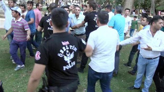 CHP'li vekillere yumurtalı saldırı