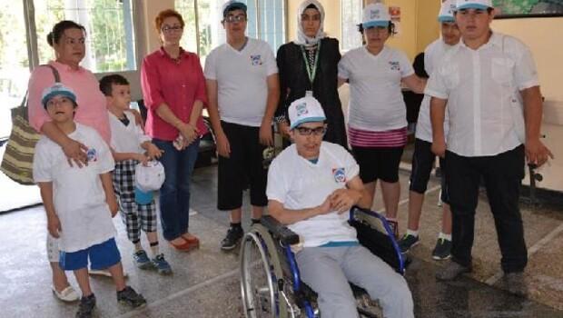 Melikgazi Belediyesi engelli öğrencileri arkeoloji müzesinde gezdirdi