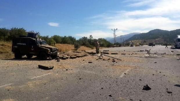 Erzincan- Erzurum karayolunda uzaktan kumandalı patlama, can kaybı yok - fotoğraflar