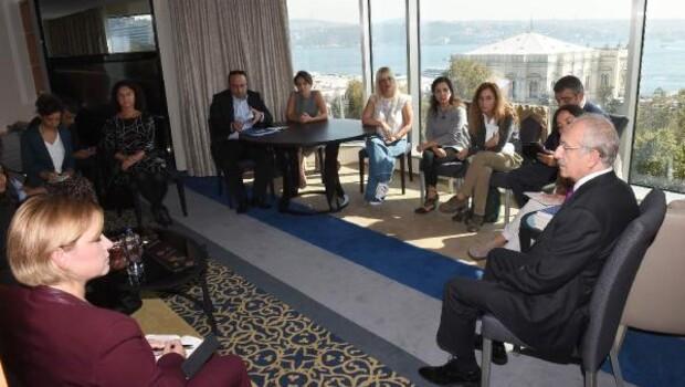 fotoğraflar//Kılıçdaroğlu tutuklu aydınların yakınları ile buluştu