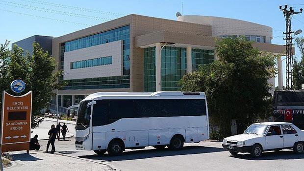 Erciş'te Belediye Meclis üyesi muhtara PKK saldırısı