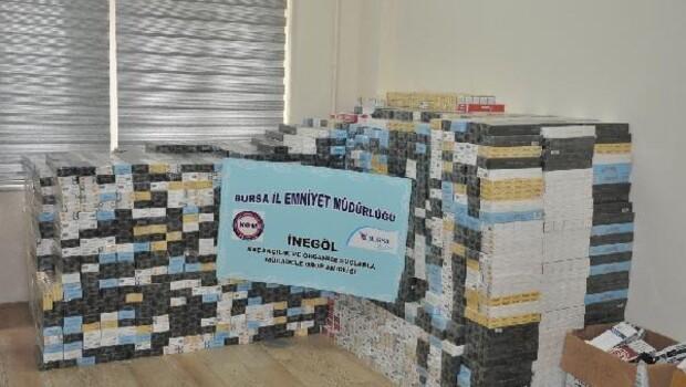 Mobilyaya gizlenmiş 40 bin paket kaçak sigara ele geçirildi