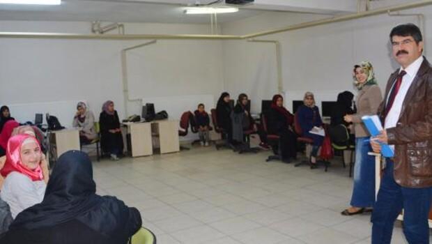 Suriyelilere okuma yazma kursu