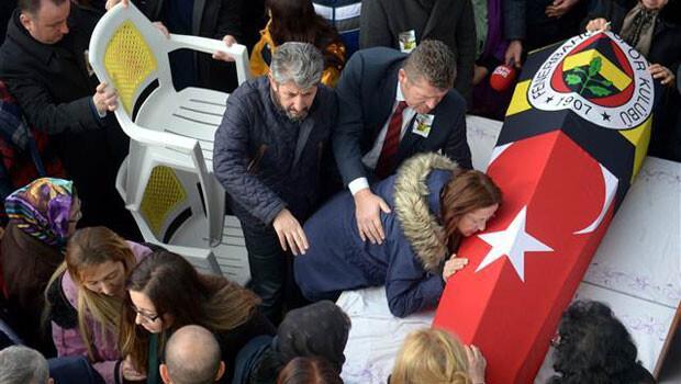 Gözyaşları sel oldu! Berkay'ın cenazesi son kez babaevinde...