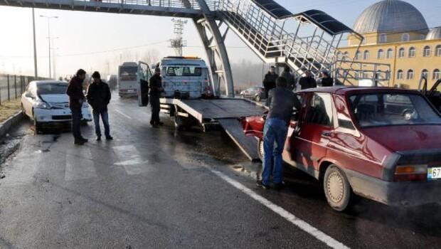 Bartında 19 araç birbirine girdi: 5 yaralı