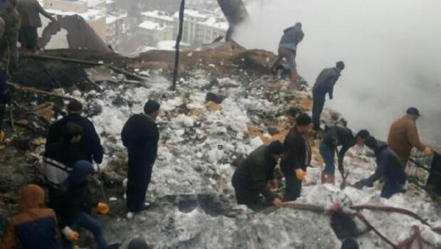 Ermenekte ev yandı; baba ve kurtarmak istediği 2 kızı öldü
