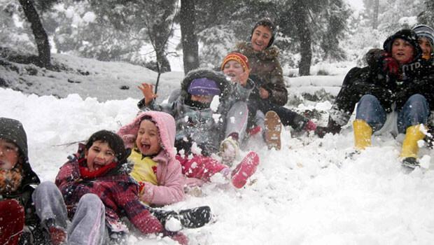 MEB'den öğrencileri üzecek karar: Kar tatiline telafi eğitimi