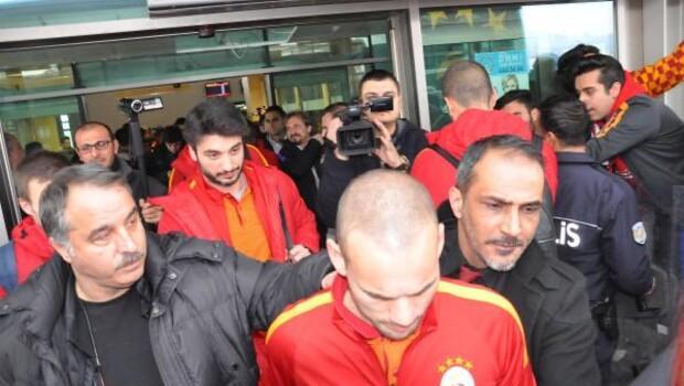 Galatasaray kafilesi Elazığ'da Fotoğrafları