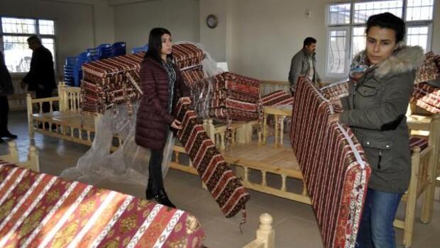 Bağlar Belediyesi, mahalle ve yas evlerini sedirlerle donattı
