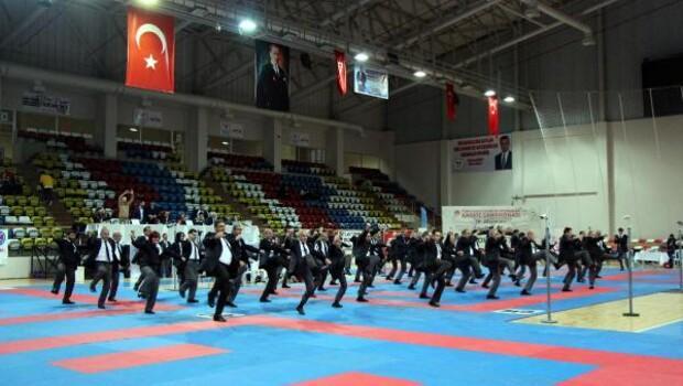 Boluda karate şampiyonası başladı