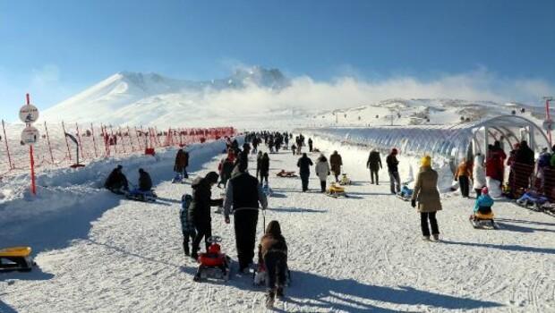 Erciyes, hafta sonu 100 bin kişiyi ağırladı