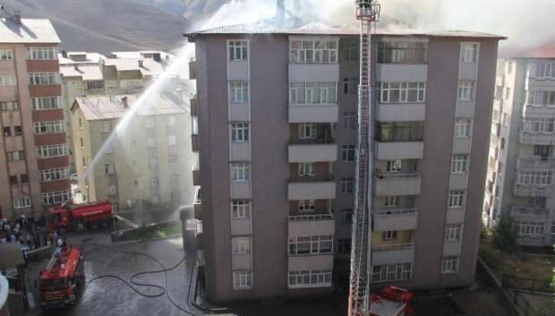 Bitlis'te çatı yangını