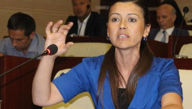 FETÖ'den tutuklanan Yarbay Kayacı'nın eşinin isyanı: Eğer onu tutacaksanız bizi de alın