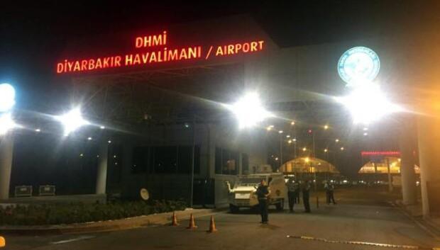 PKK'lı teröristler, Diyarbakır Havalimanı'nda polise roketatarlı saldırı düzenledi(2)