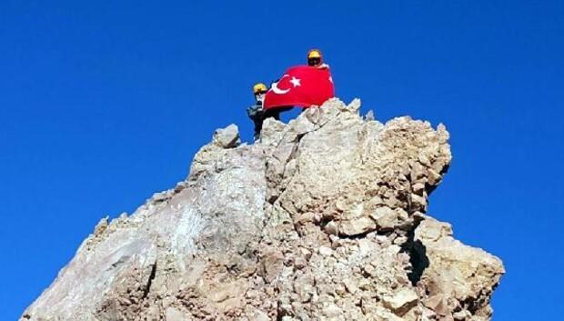 Dağcılardan, Erciyes'e 'Zafer' tırmanışı