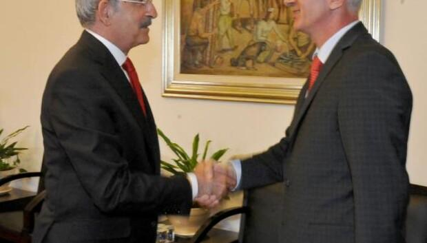 Kılıçdaroğlu, İstanbul Eczacı Odası Yönetim Kurulu Başkanı Sarıalioğlu ile görüştü