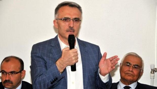 Maliye Bakanı Ağbal: Eşkıya belediyenin içine girmiş, yönetiyor