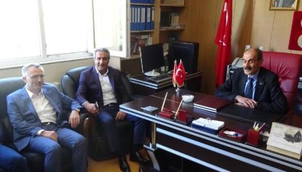 Maliye Bakanı Ağbal: Eşkıya belediyenin içine girmiş, yönetiyor (2)