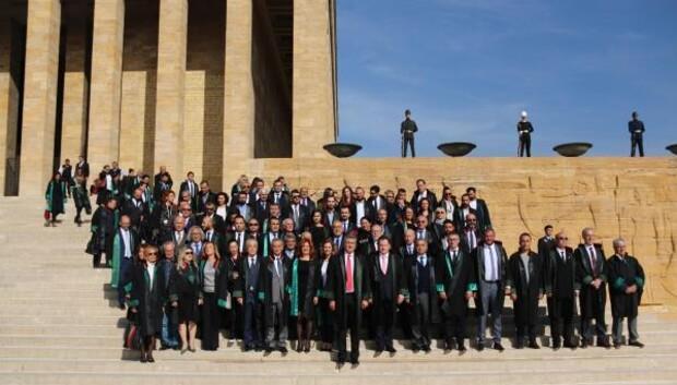 Ankara Barosunun yeni yönetimi Atanın huzurunda