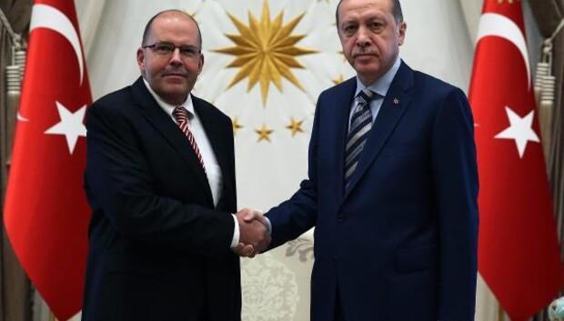Cumhurbaşkanı Erdoğana Letonya Büyükelçisinden güven mektubu