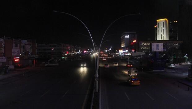 Yol genişledi ışıklar gitti