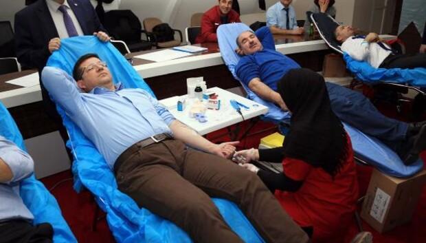 Merkezefendiden kan bağışına destek