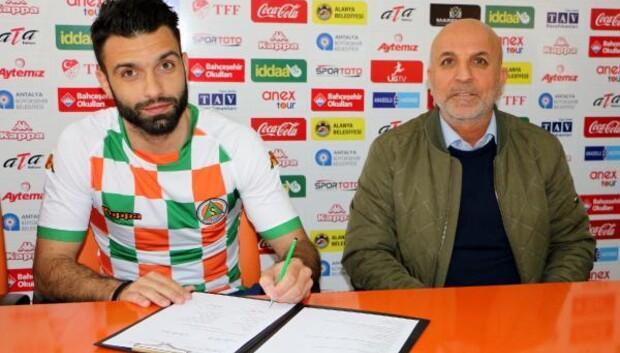 Aytemiz Alanyaspor Yunan stoper Tzavellas ile 2.5 yıllık sözleşme imzaladı