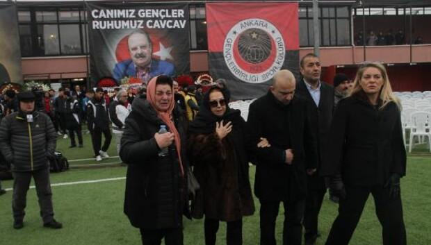 Ankaranın spordaki çınarı son yolculuğuna uğurlanıyor başlıklı haberin fotoğrafları